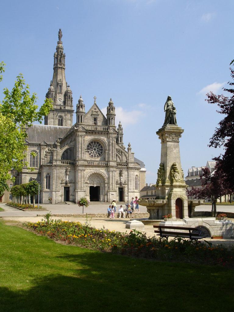Vacances Spirituelles - Basilique Sainte-Anne d'Auray