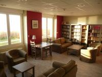 Salon bibliothèque – Relais St Joseph de l'Océan